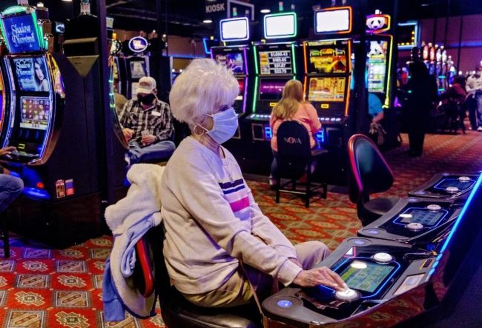 How to play different casino games at GClub